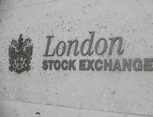 - 2301640973 9115260713 z - FTSE 100 movers: HSBC rallies on earnings, tobacco stocks drop again