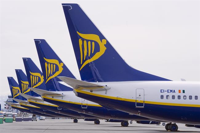 Ryanair will pay over 100m euros more to pilots after union protests