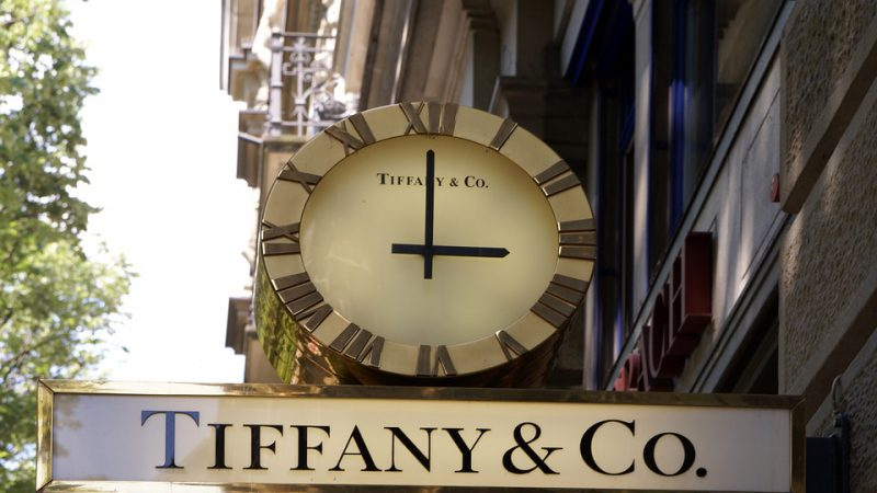 Tiffany's 2018 guidance takes shine off fourth quarter quarterly results